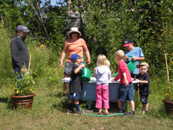 communitygarden_kids5